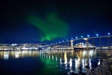 Hurtigruten Noorderlicht boven Tromso