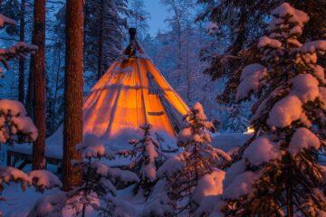 Overnachten-Sami-Lavvu---Norden-Trips-(1)